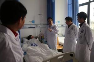四川肛肠医院解除年逾古稀老人困扰三年的肛门肿物难题